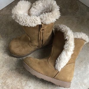 Cat & Jack size 6 fur toddler girl boots